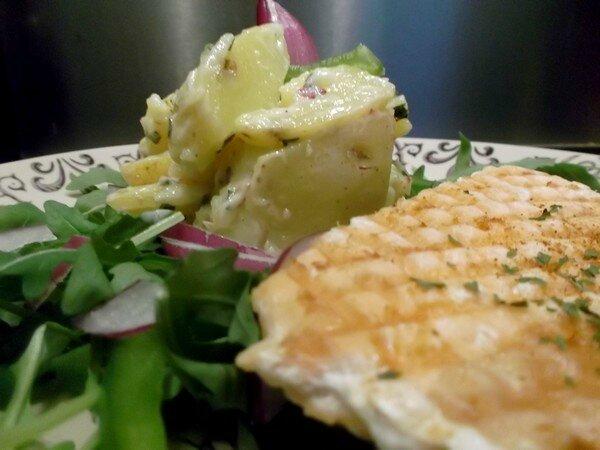 Saumon grillé et salade de pommes de terre