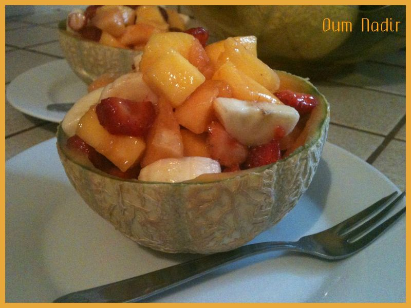 Salade de fruits les d lices d 39 oum nadir for Decoration salade de fruits