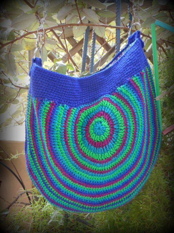 Peacock Tail Bag (2)