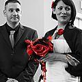 mariage cabaret chic rouge noir plumes dentelle bouquet de mariée & accessoires personnalisés sur mesure cereza deco 6