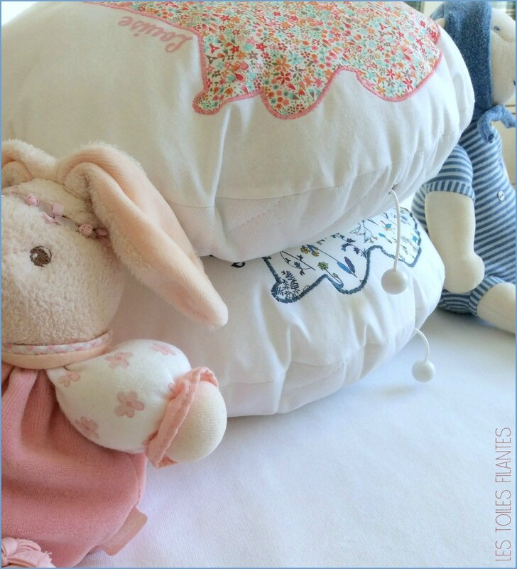 Coussin rond musical appliqué Lapin8