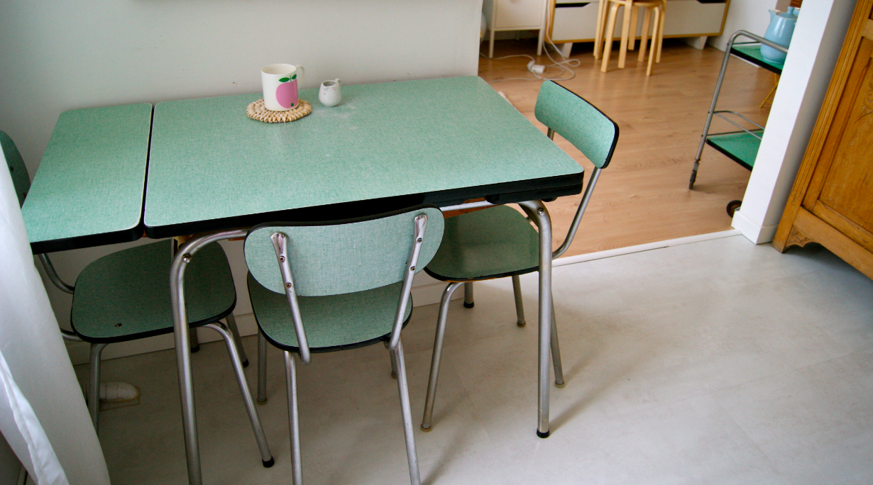 Vert formica merci ginette for Table de cuisine formica