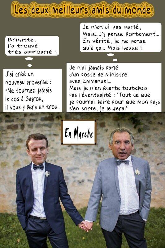 macron-bayrou-en-marche-bulles