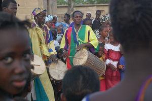 Veille_du_d_part___Chant_et_Danse_dans_le_Village
