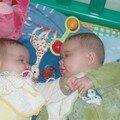 Enola & Alicia 5 mois