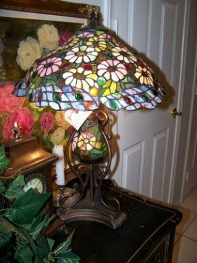 tiffany-style-desk-table-3-light-stained-glass-lamp-shade