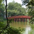 pont sur lac Hoan Kim - Hanoi