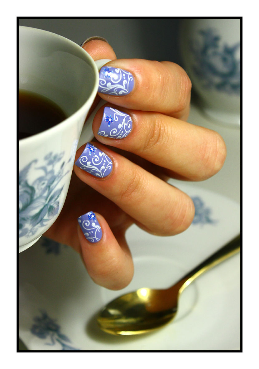 The Sunday Nail Battle #27 - Tea Time
