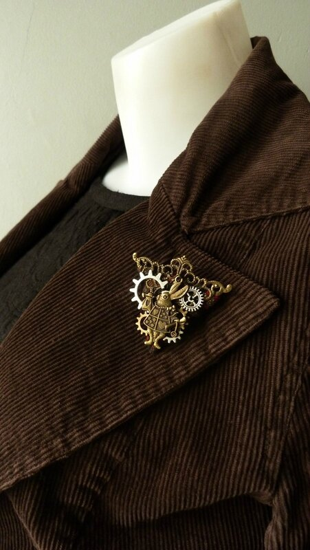 steampunk broche triangle lapin (3)