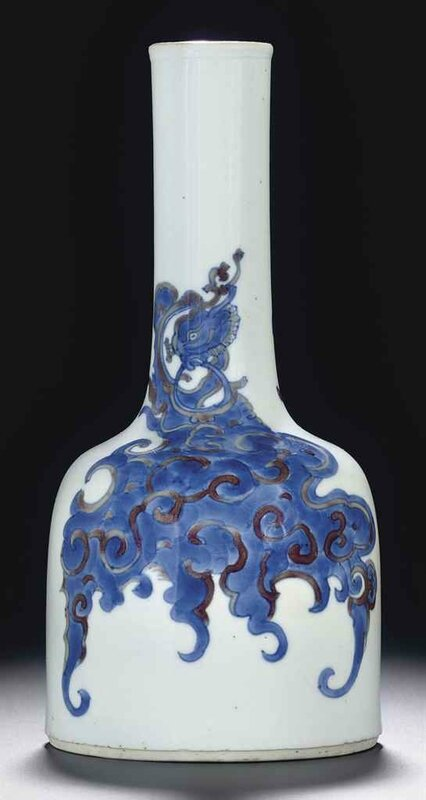 A copper-red-decorated blue and white mallet vase,shuangluzun , Kangxi period (1662-1722)