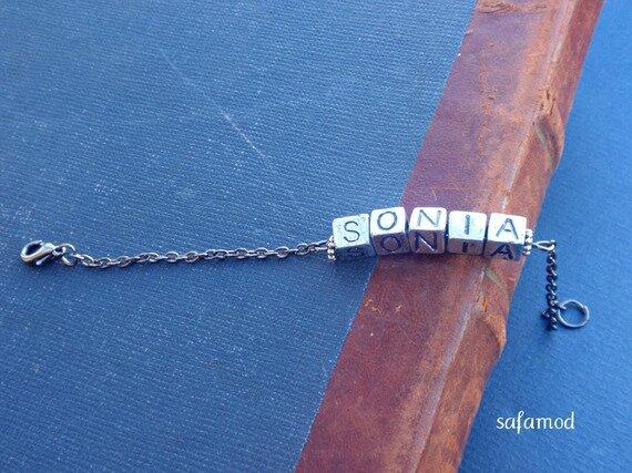 bracelet-bracelet-gourmette-prenom-sonia-pe-6660047-pc270811-4f5a2-47c51_570x0