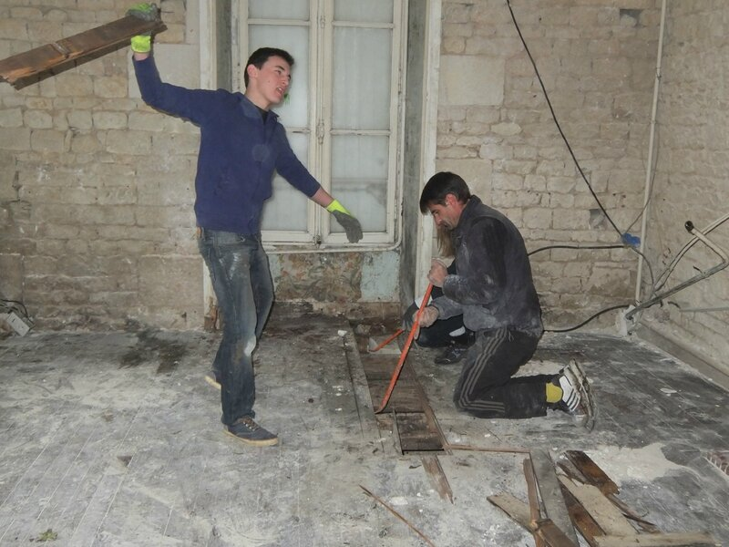 Comment faire un plancher avec poutrelles et hourdis le chantier de chryst le - Dalle de compression ...