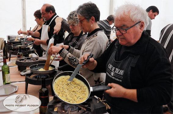LALABENQUE_Fete_de_la_TRUFFE_fabrication_des_omelettes_aux_truffes_