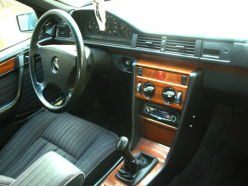 mercedes 250 d w124 1985 1989 autos crois es. Black Bedroom Furniture Sets. Home Design Ideas