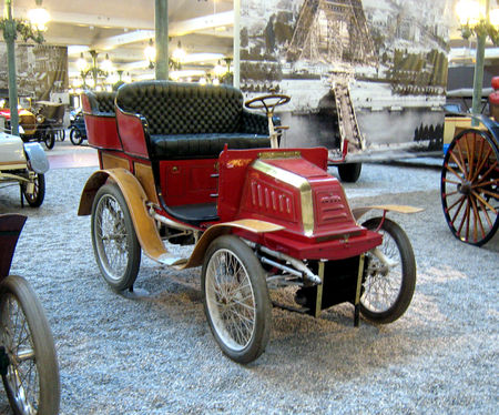 Georges_Richard_tonneau_poney_s_rie_E_de_1897__Cit__de_l_Automobile_Collection_Schlumpf___Mulhouse__01