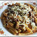 Macaronis aux petits pois ,champignons et viande hachée