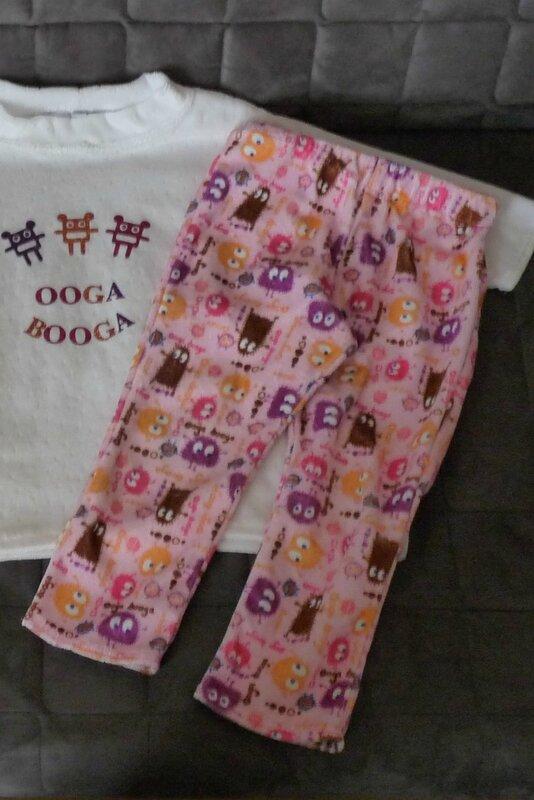 Cassidy - 2015-02-03 - pyjama petits monstres (pantalon)