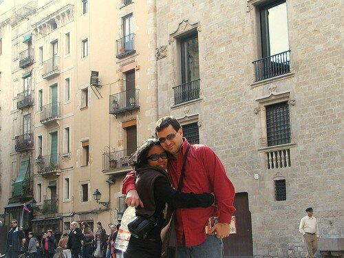 Lovers at Placa Del Rei