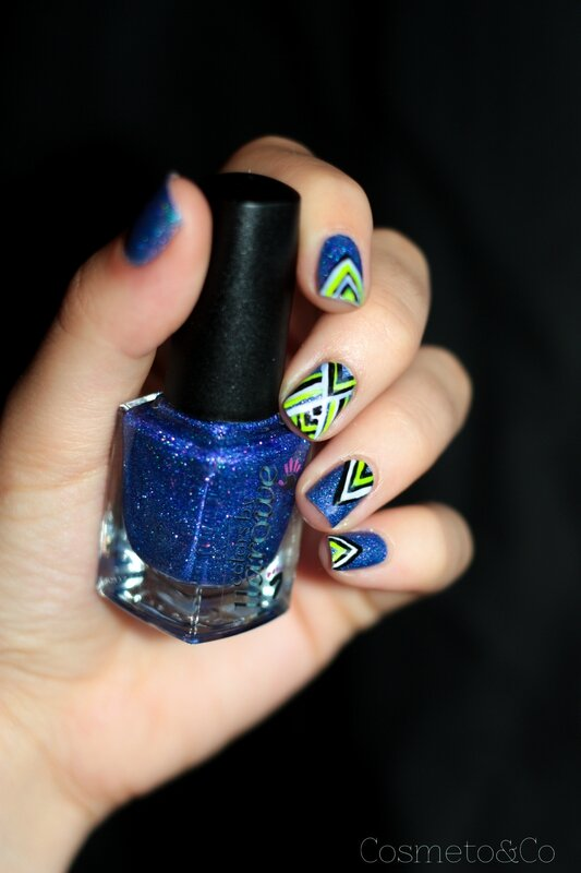 nail art colo by llarowe independance day graphique fluo triangle aztec-2