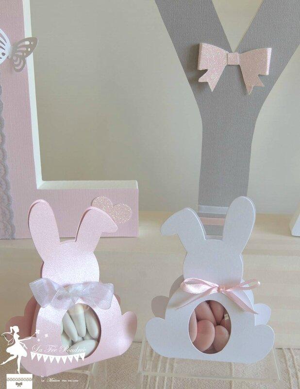 ensemble decoration bapteme theme papillon ballotin dragees sujet enfant lapin ours boite rose blanc nacre livre or lettres decorees prenom6