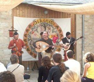 SIKINIS Spectacle Festival de Chanteix 2005