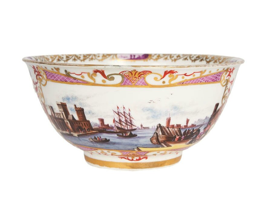 A bowl of museum-like quality with fine landscape decor, Meissen, around 1730