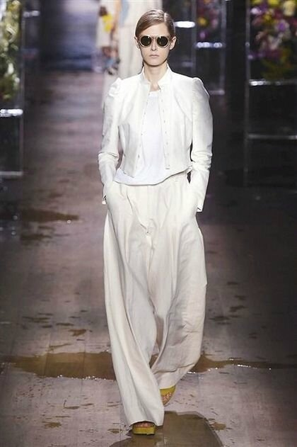 photo-4-photos-du-defile-dries-van-noten-femme-printemps-ete-2017_5714223