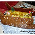 BUCHE TRAINEAU AUX POMMES/POIRES /FRUITS EXOTIQUES 