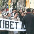 Manif 21 nov 2004 pour sauver Tenzin Delek Rinpoch
