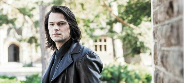 Dimitri-Belikov-new-still-the-vampire-academy-blood-sisters-35885819-597-271