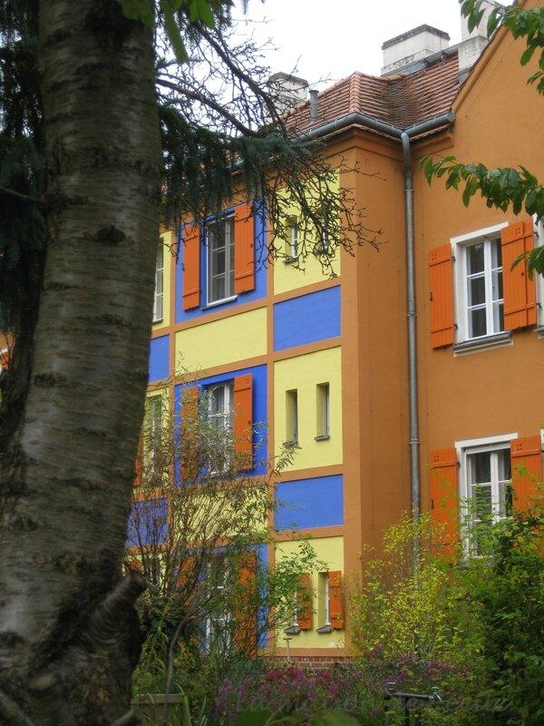 Maison multicolore 1