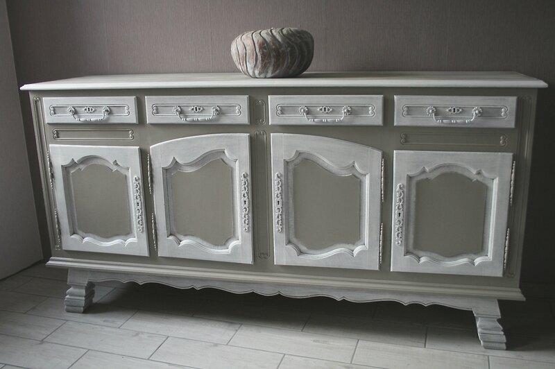 Charmante et ancienne belle vitrine de qualit en ch ne patine blog de missantic pour plus for Peinture a lancienne pour meuble