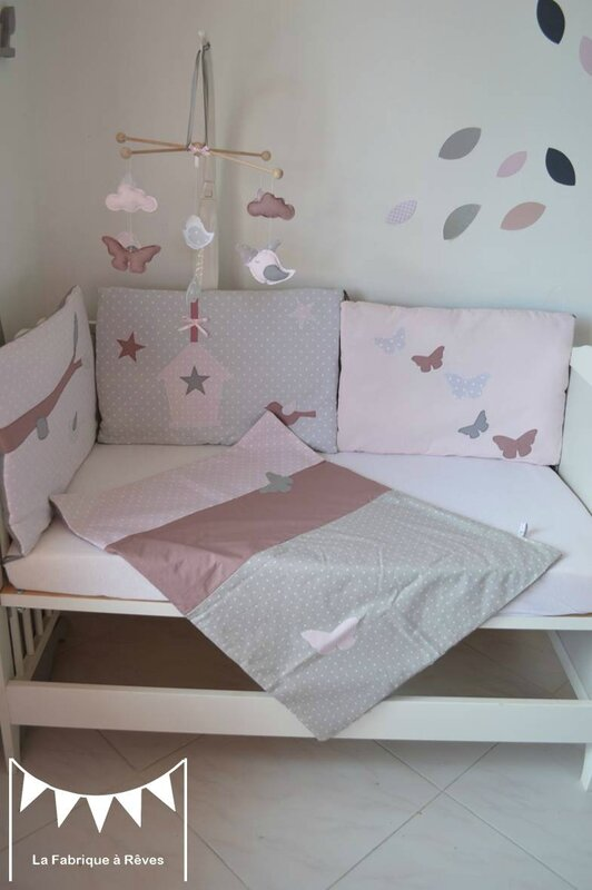 couverture b b enfant fille rose poudr gris rose ancien patchwork papillons photo de 2. Black Bedroom Furniture Sets. Home Design Ideas