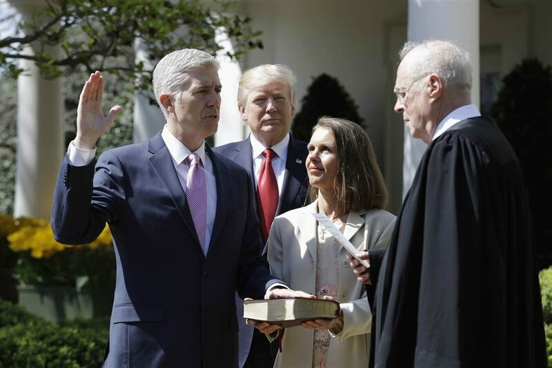 Neil Gorsuch swearing in ceremony