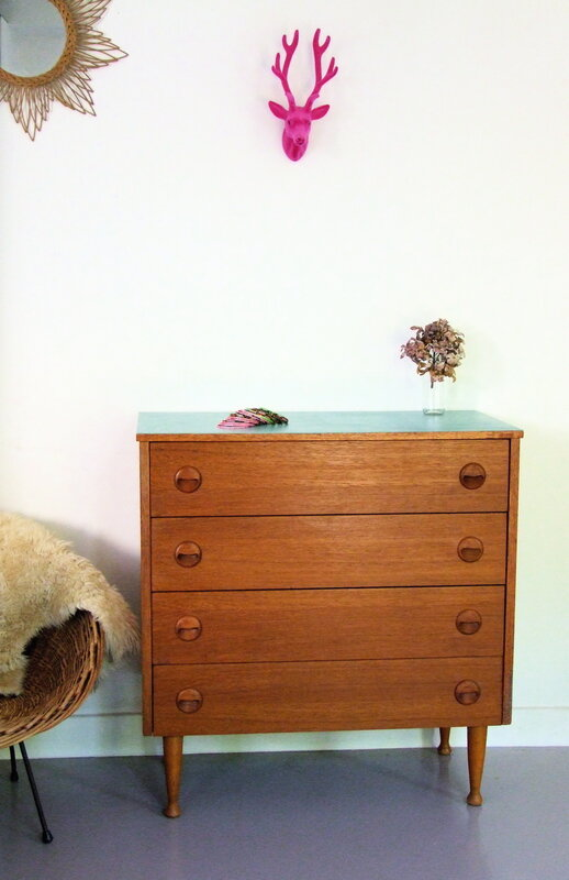 Commode_scandinave