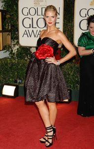 27425_heidi_klum_66th_annual_golden_globe_awards_cu_isa_03_122_944lo1