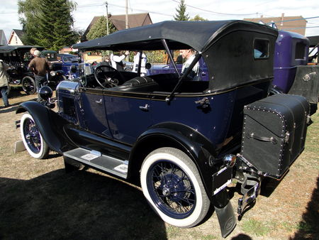 FORD_Model_A_Phaeton___1928__2_