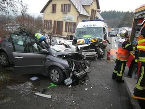 accident_rn59_voiture_contre_ambulance_photo_dna_vivien_montag__3_