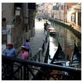 V-canal-gondoliers