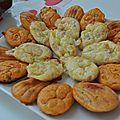 Madeleines salées : tomates séchées-chèvre ; lardons-mozza