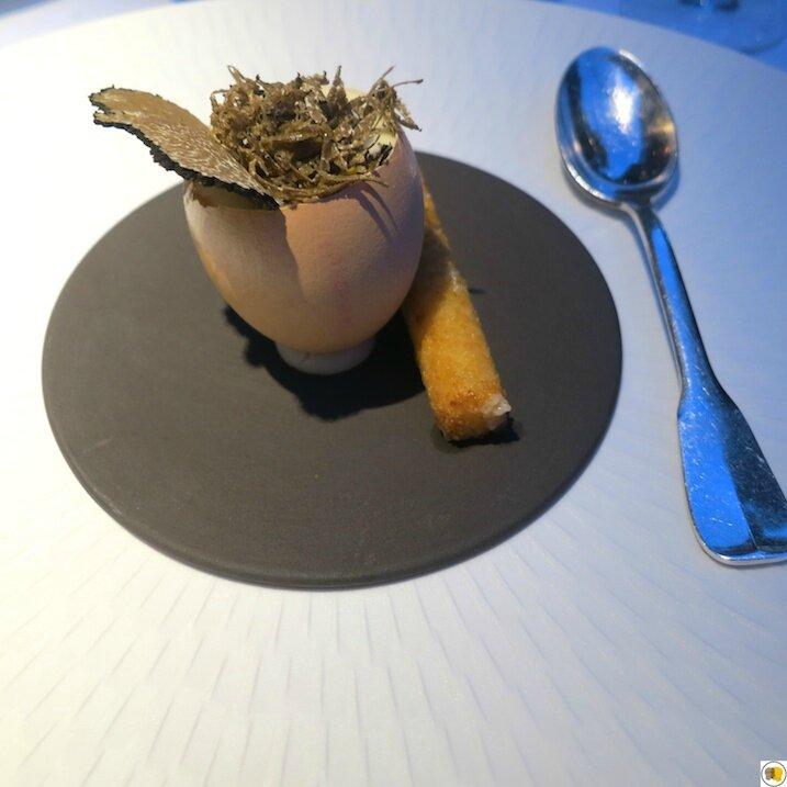 Oeuf parfait, truffe d'été de Grignan, cromesquis de parmesan (1)