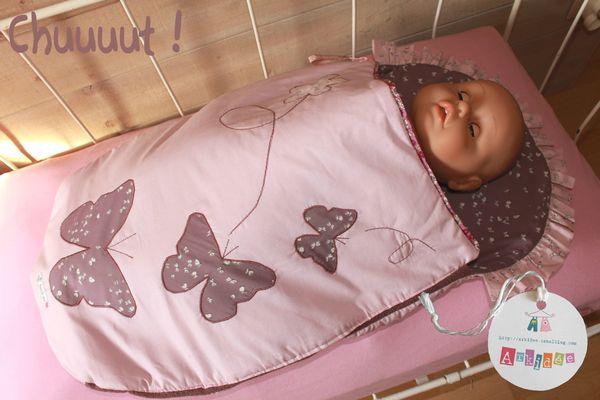 Nid d'ange Papillon Bébé dort