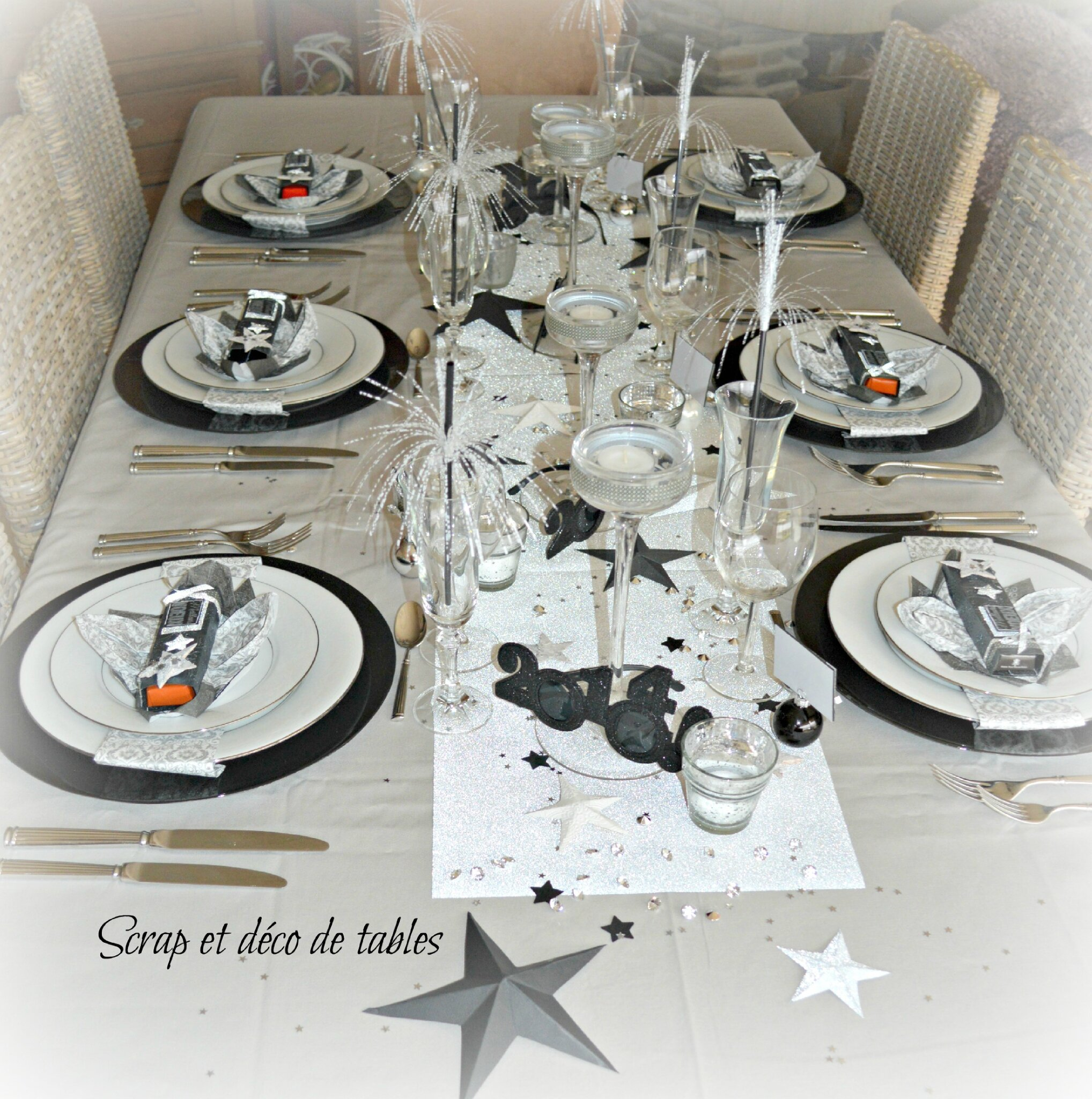 Deco de tables nouvel an 2014 scrap et d co de tables for Decoration 31 decembre