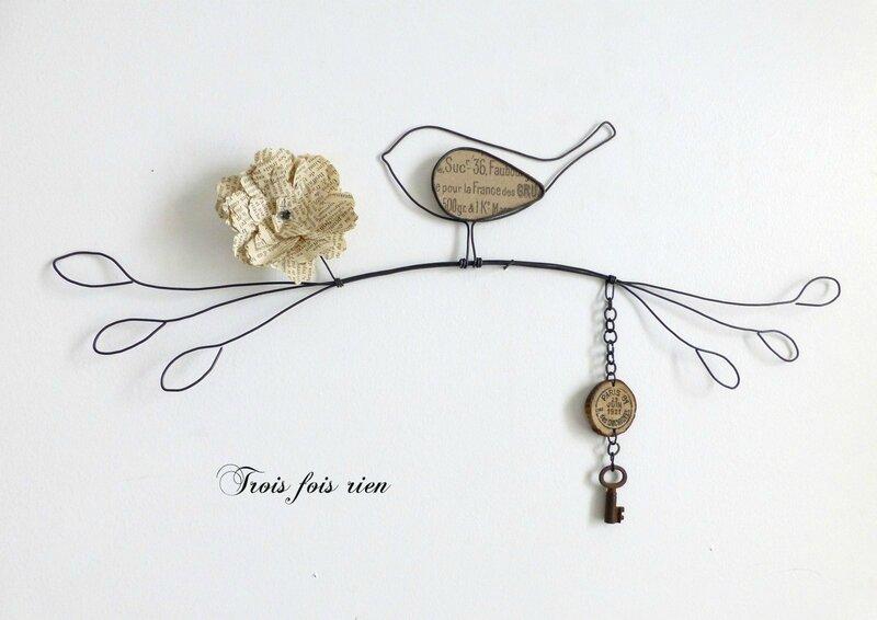 Oiseau sur sa branche, fil de fer, décoration murale, trois fois rien N° 47