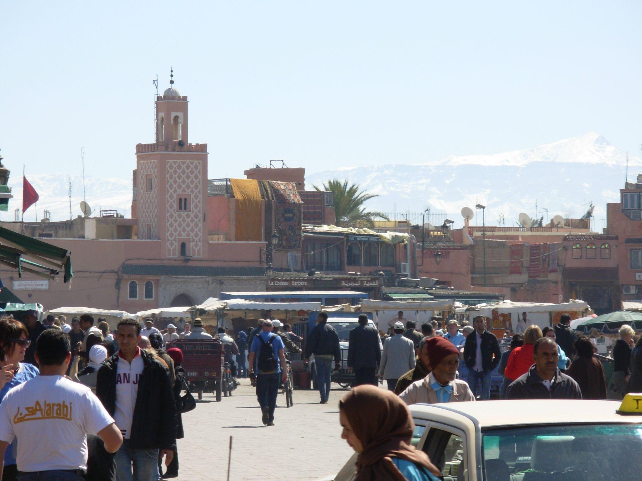 Maroc ... Marrakech, place Jemaa el fna