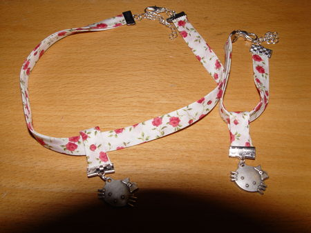 collier_et_bracelet_liberty_hello_kitty