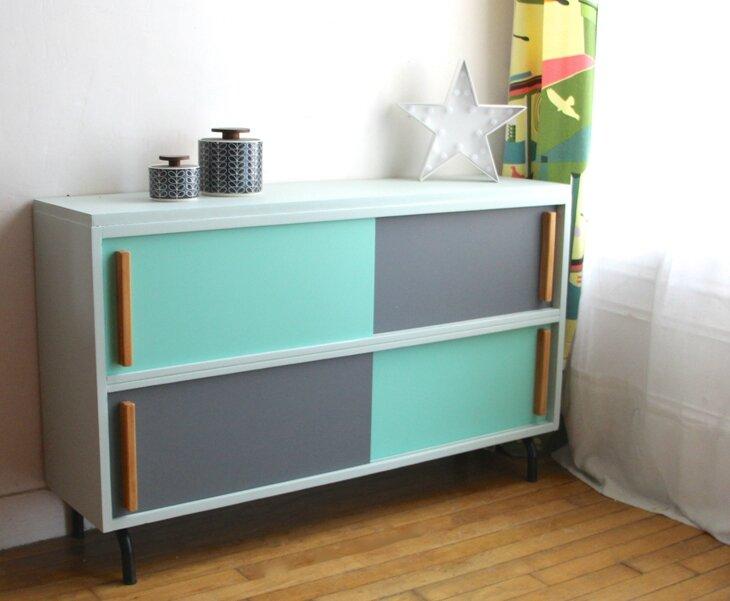 meuble-vintage-a-portes-coulissantes-vert-et-gris