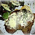 Steak parfumé à la crème au roquefort