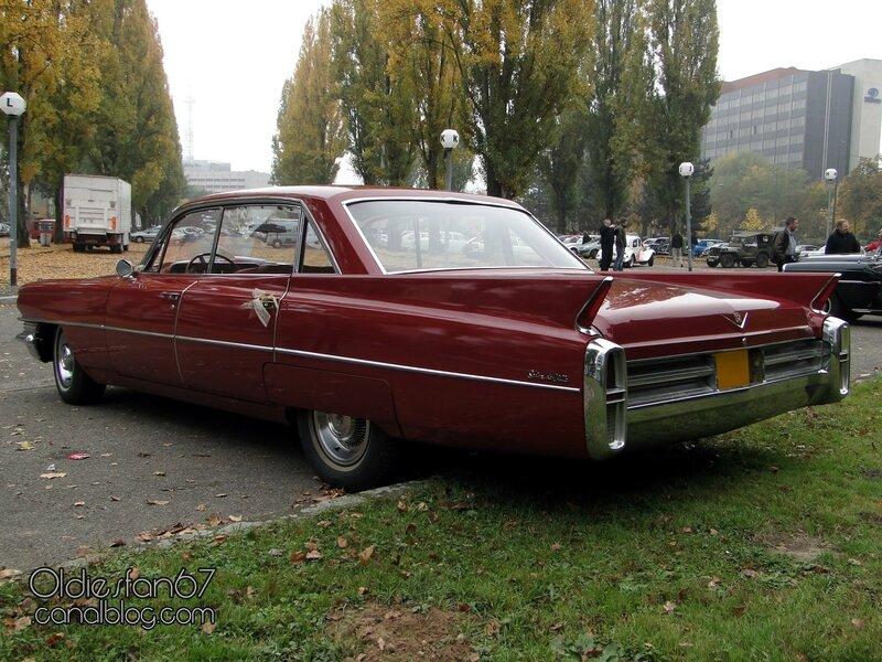 cadillac-deville-6window-sedan-1963-04