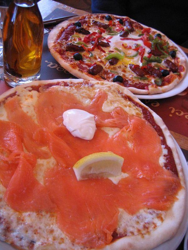 Pizzas TablaPizza, saumon et orientale.